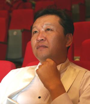 바리톤 김신일