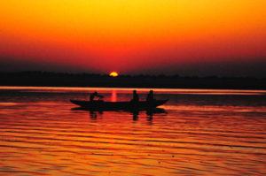 Gia il sole dal Gange
